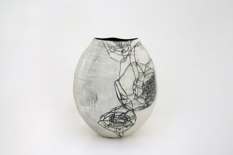 Title: Hua Ping III, 2013, Medium: Thrown and Altered Porcelain, Size: 34 x 30 x 30cm
