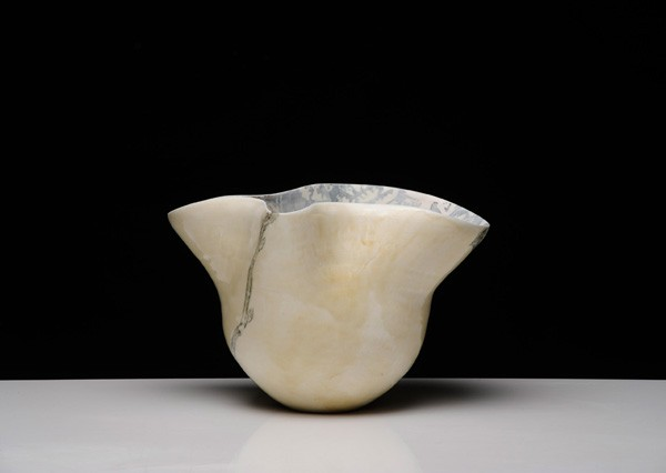 Title: Give and Take V (pot a), 2012. Size: 14x36x26cm. Medium: Thrown and Altered Porcelain