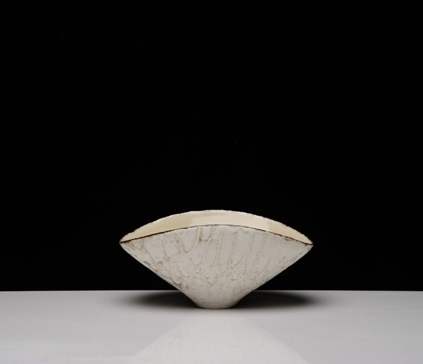 Title: Give and Take V (pot b), 2012. Size: 13x27x20cm. Medium: Thrown and Altered Porcelain
