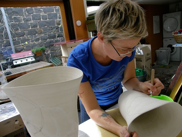 Belinda incising into the vessels