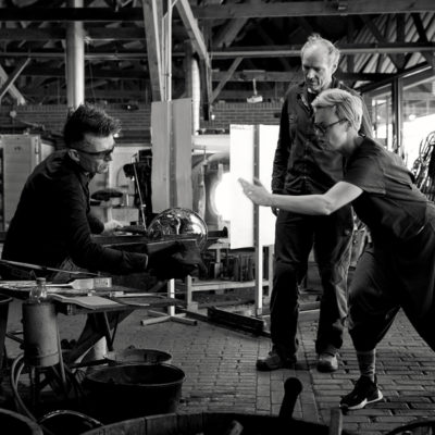 Collaboration in full flight at Glaslab, Leerdam with Gert Bullee, and Henk Verwey. Photo: Ben Deiman